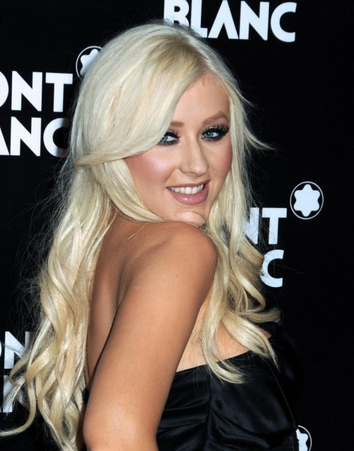Christina Aguilera, Nicole Richie, Joel Madden - Christina Aguilera sonriente